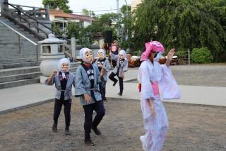 ばかめん踊り01